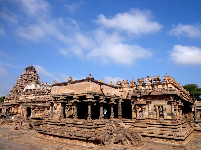 https://upload.wikimedia.org/wikipedia/commons/9/99/A_different_view_of_Airavatesvara_Temple.jpg