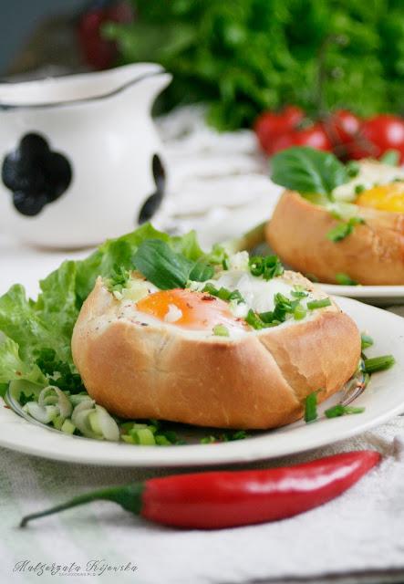 śniadanie na gorąco, ciepłe śniadanie, co na śniadanie? jajka śniadaniowe, zapiekanka z jajek, daylicooking