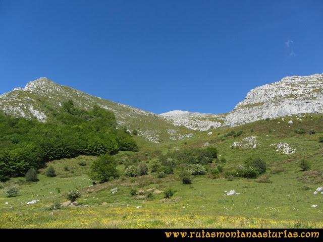 Ruta Lindes - Peña Rueda - Foix Grande: Entrando en Vallina Grande