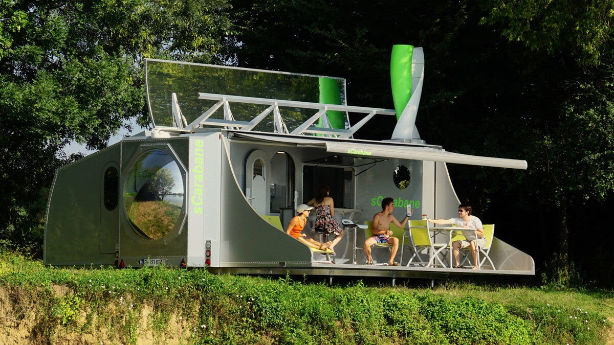 01-Enjoying-the-sights-Fillon-Technologies-Tiny-Home-360-Degrees-see-Video-www-designstack-co