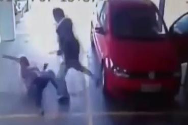 Asesinado a golpes en el Estacionamiento