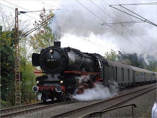 Schnellzuglokomotive 01 150