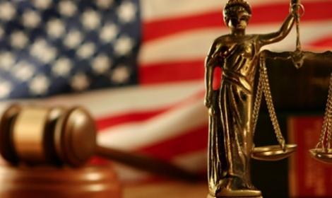 كالتشر-عربية-محكمة-أمريكية-تحكم-بتعويض-مليون-دولار-لحرمان-طالبة-من-التوجه-للحمام
