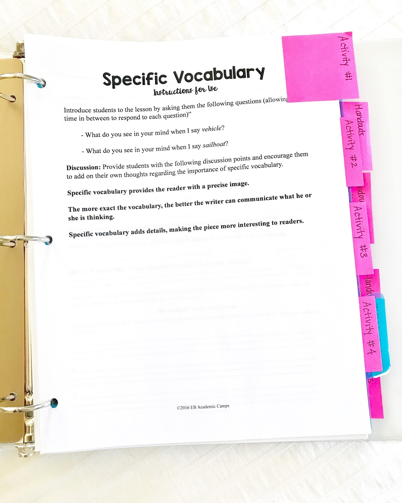 A great blog post that walks you through how to set up an emergency sub binder for your classroom! This one includes emergency substitute lesson plans for your ELA (english, reading, and writing) classroom!