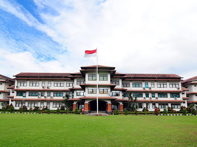 SMA boarding school terbaik