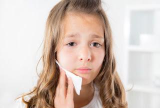 Sakit Gigi dan Gusi Bengkak pada Anak