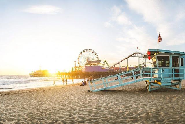 Cidade turística Santa Mônica na Califória