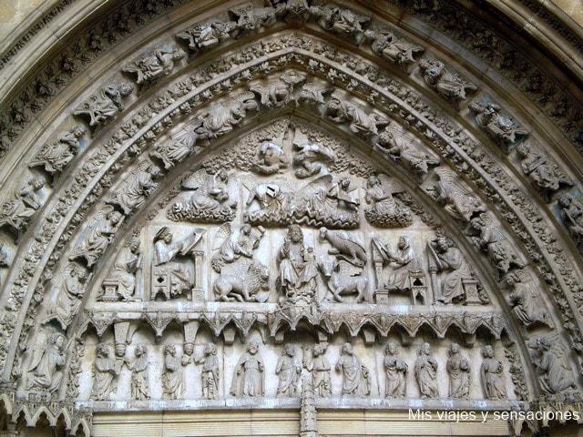 Puerta del Sarmental, la Catedral de León