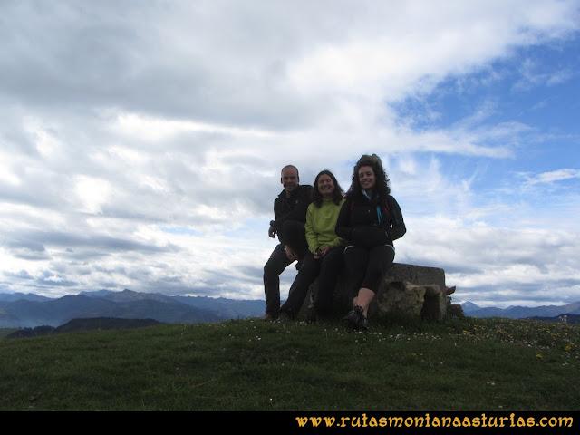 Ruta Torazo, Pico Incos: Cima del pico Incos, techo del concejo de Cabranes