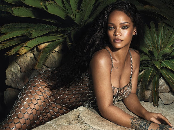 Rihanna's 10 Minute Guide to Going Out Makeup