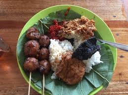 37 Tempat Wisata Kuliner Cirebon Yang Terkenal Paling Lezat