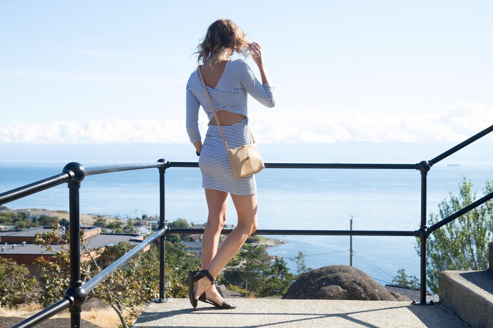 Fashion Blogger and Digital Nomad, Alison Hutchinson, in a Tobi Bodycon Dress