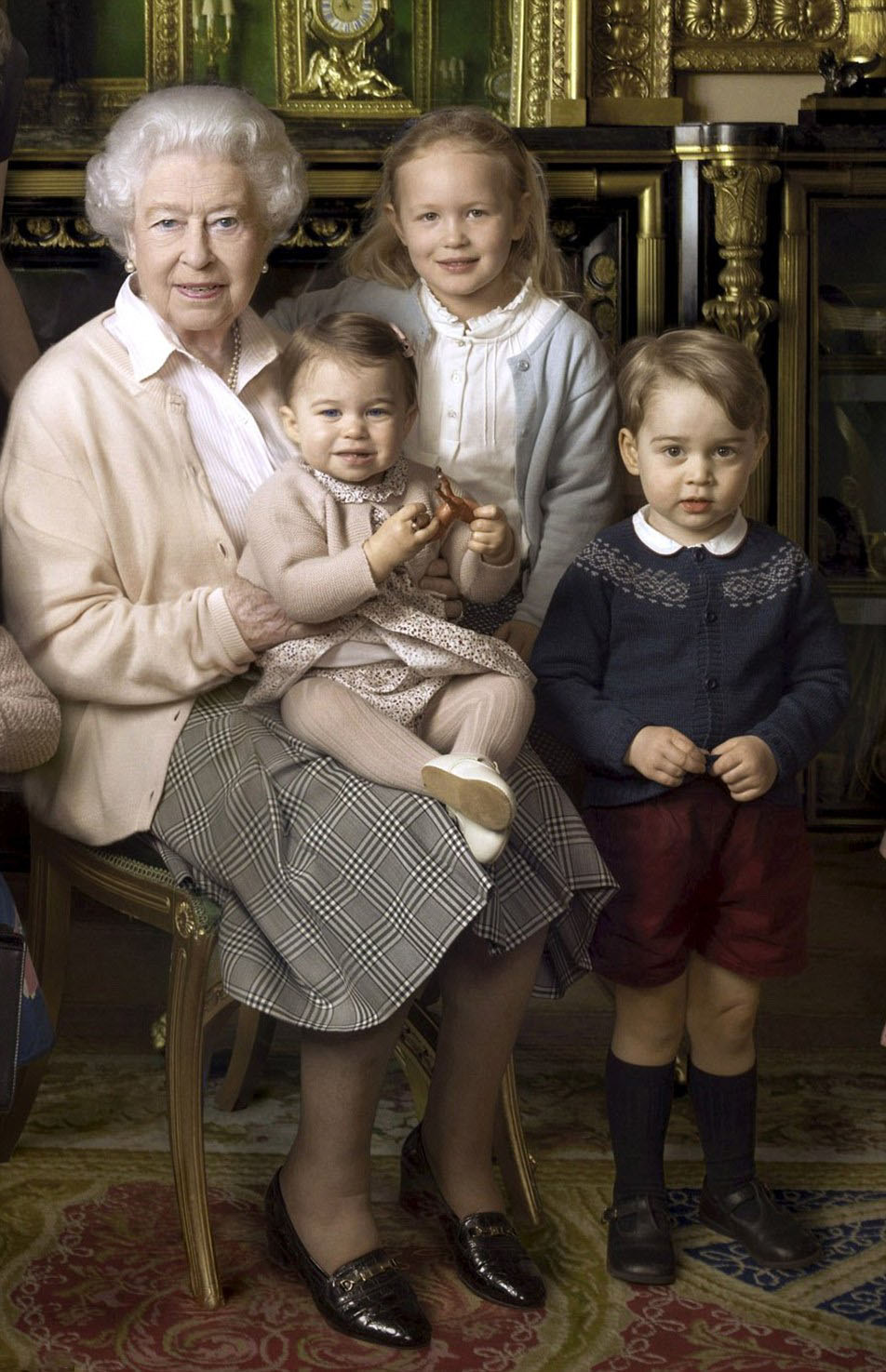 Royal Family Around the World: Remarkable new photographs ...