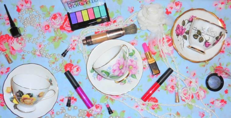 Creative Mondays Blog Hop: Shabby Chic Dressing Table…