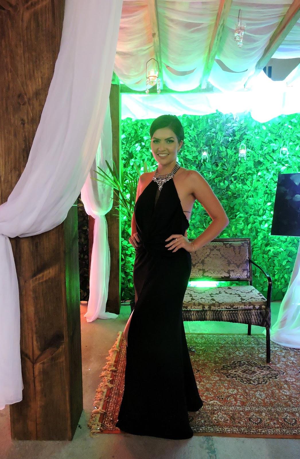 Vestido para casamento preto longo