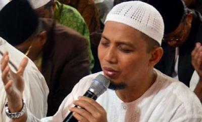 ALLAHUAKBAR!!… Pendeta Ini Masuk Islam Setelah Dengar Dzikir Ust. Arifin Ilham