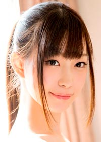 Actress Akari Mitani