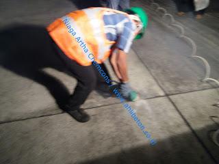 pemasangan sealant untuk perbaikan bocor