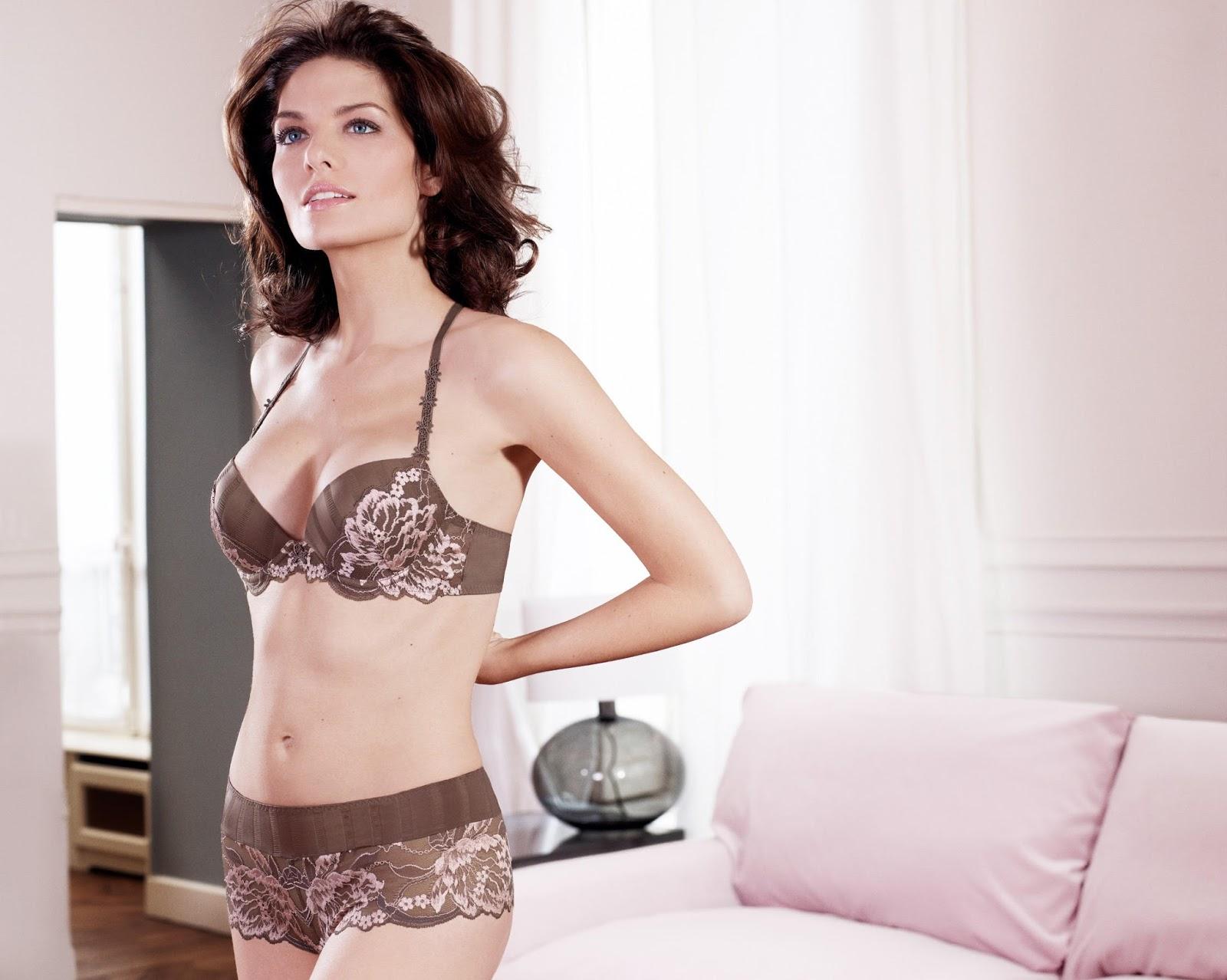 France French Lingerie Model Photos Marina Mozzoni Simone