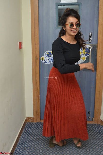 Tejaswini Madivada backstage pics at 92.7 Big FM Studio Exclusive  04.JPG