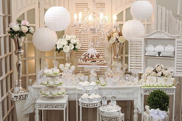 dicas-de-decoração-para-batismo-decoração-classica-toda-branca
