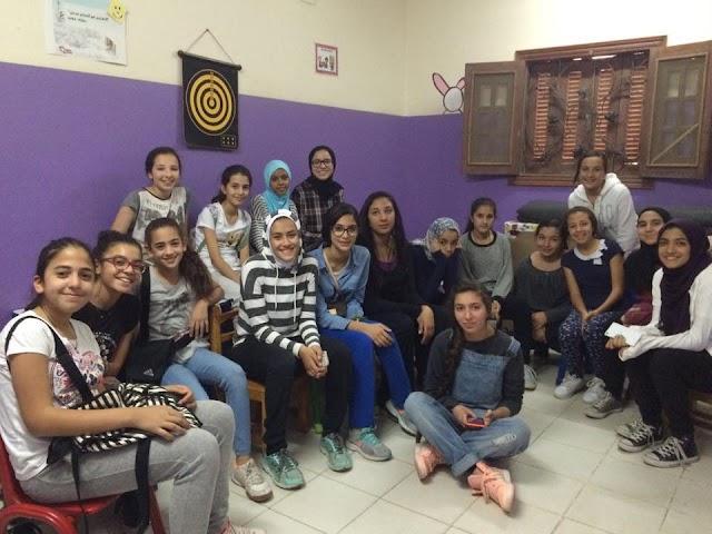 بالصور :  المدرسه المصريه للغات في التجمع الخامس تقود حملة لشنطة رمضان