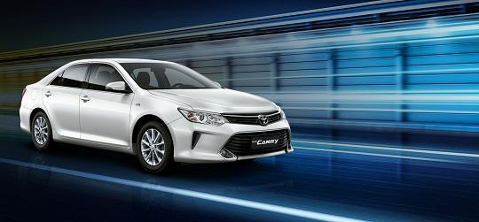 Eksterior Toyota Camry Tahun 2018