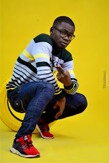 """8 - SKIP - ZEE releases hot new pictures in anticipation of his debut single """"HOLIDAY"""""""