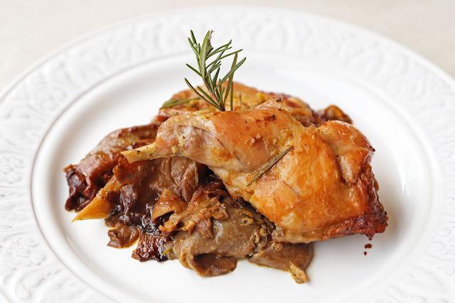 Συνταγή για Κουνέλι στο Φούρνο με Μουστάρδα και Μανιτάρια