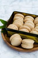 http://ceriseetpraline.blogspot.fr/2016/09/macarons-la-cacahuete.html