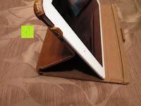 aufstellen: Leicke MANNA Schutzhülle Apple iPad Air 2 braun