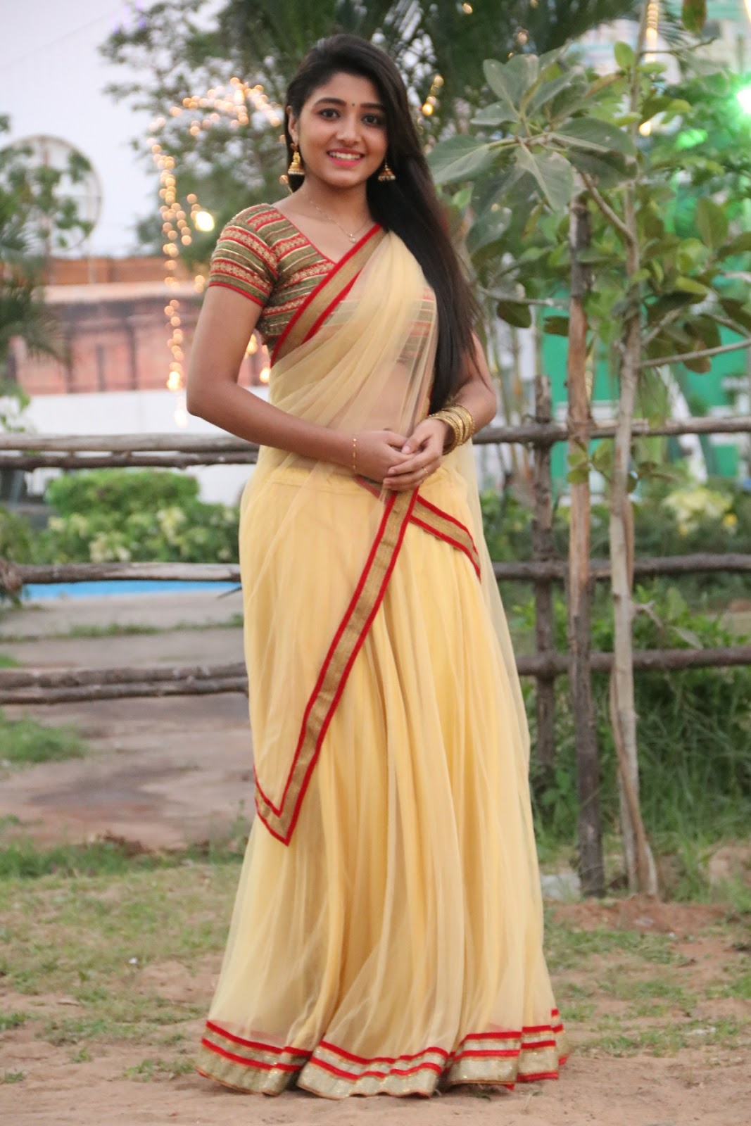 aditi menon new sizzling half saree stills-HQ-Photo-2