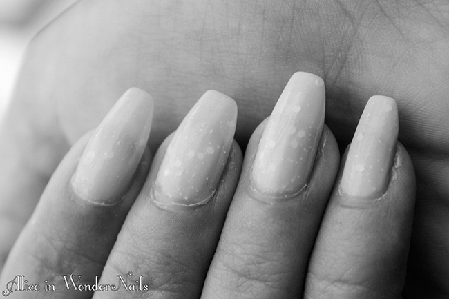 http://aliceinwondernails.blogspot.it/2015/09/wedding-details-5-pure-white-con-el.html