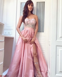 Fabulous Disha Patani Stunning Fashion Wardrobe promotes Baaghi 2 Full Instagram Set ~  Exclusive Gallery 013.jpg