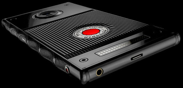 red-hydrogen-one-android-phone