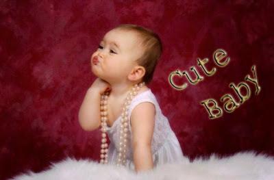 sevimli-baby-girl-kisses-resim
