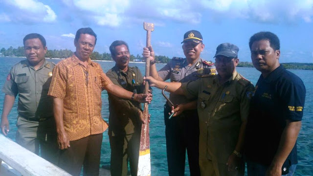 Dukung Kinerja Polisi, Pemerintah Dan Masyarakat Pasimarannu, selayar,  Hibahkan Kapal Kayu