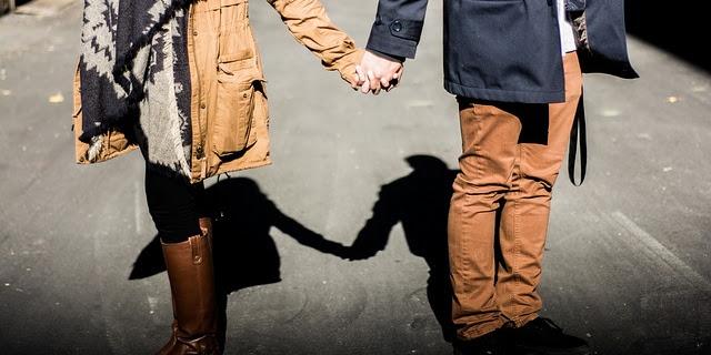 Inilah Tanda Cara Istri Mencintai Suami Yang Tidak Disadari Oleh Suami !!!