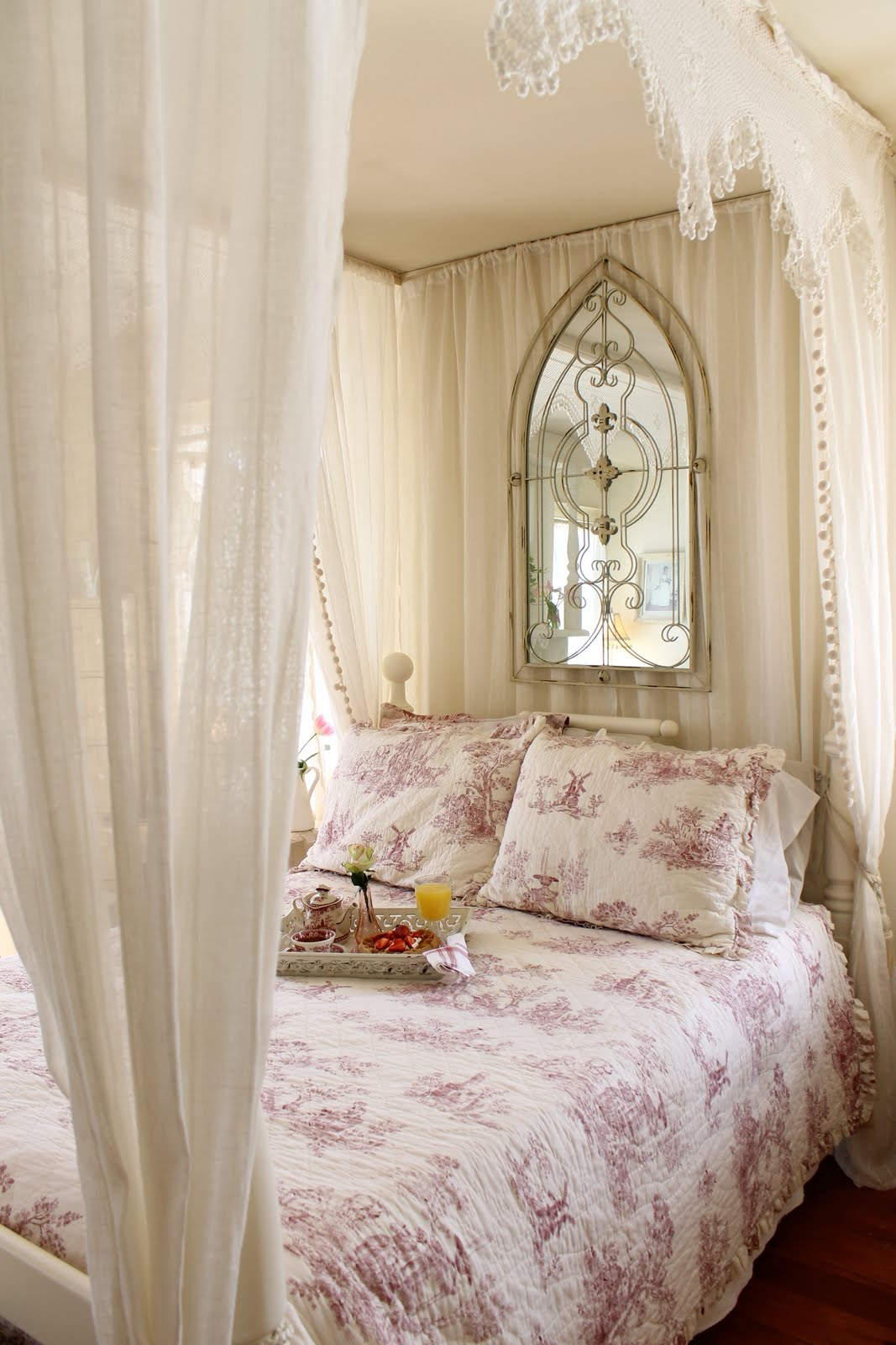 Romantic Cottage Bedroom Decorating Ideas: Aiken House & Gardens: Sunday Morning Breakfast In Bed