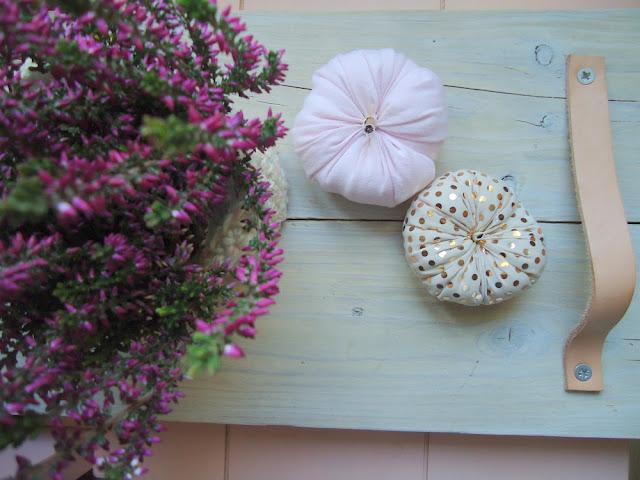dekoracja jesienna w odcieniach różu