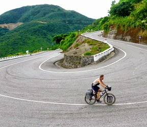 Cycling in Vietnam, best vietnam bike tour, bike tour in Hue - Danang - Hoian