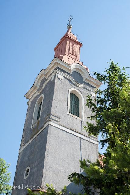 Mencshelyi katolikus templom a Balaton-felvidéken