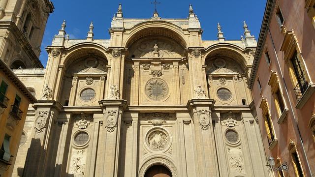 Catedral Santa María de la Encarnación, Granada Spain, Barcelona, Madrid, Granada, Spain, Tourist Attraction, Things to do, Places to see, Historical Places, Historical Architecture,