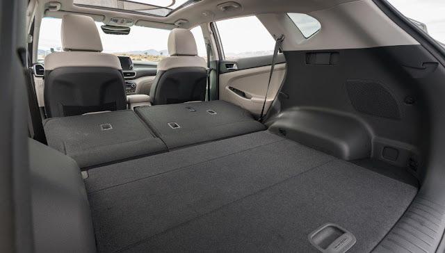 hyundai-tucson-ultimate-large-trunk-storage-space