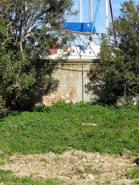 Location of the monument to the Navy crews of the lighthouses, port of Livorno