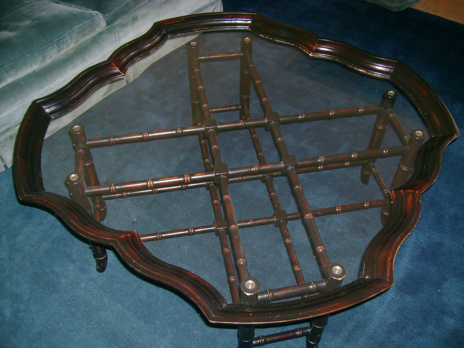 Love in Idleness: Craigslist Coffee Table