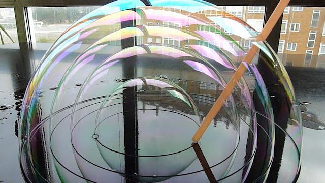 Perdidos en la Biblioteca de Babel: burbujas de filtro