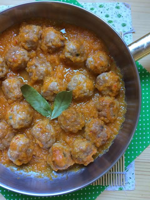 albondigas de pollo en salsa de zanahoria receta