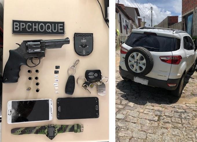 BPCHOQUE recupera carro roubado após confronto em Mãe Luíza