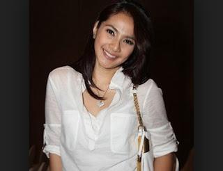 Biodata Artis Cantik Maudy Koesnaedi Terbaru dan Lengkap